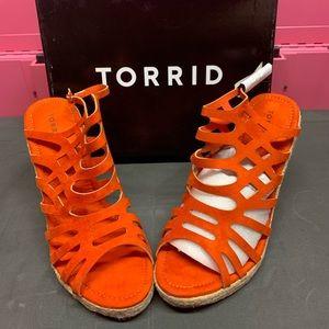 Torrid Wedges (13W)